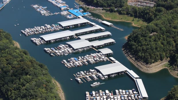 State Dock Marina is in Kentucky's Lake Cumberland State Resort Park and has a surface area of more than 65,500 acres.