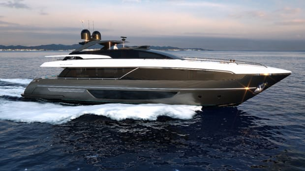 Riva started the construction of a new 100-foot flybridge yacht, the 100' Corsaro.