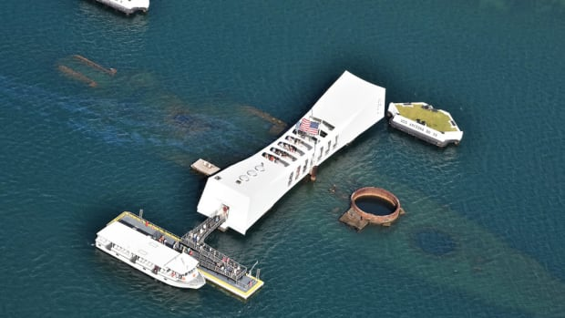 Bellingham Marine said it worked with dock system engineer Redpoint Structures to develop an innovative design for the new landing at the USS Arizona Memorial.