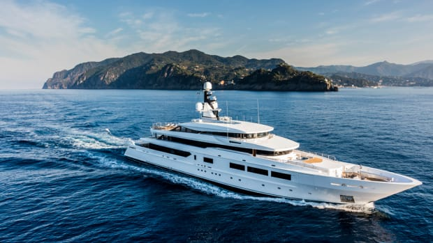 M/Y Suerte S693, from Tankoa Yachts, will make its U.S. debut in November.
