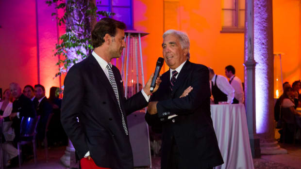 German Frers (at right) addresses the crowd at MonteNapoleone Yacht Club.