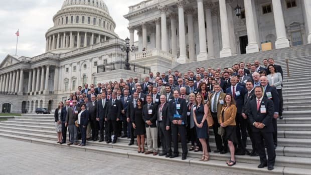 1.-day2-capitol-group-shot-3680