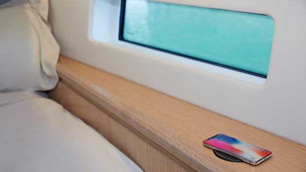 Scanstrut ROKK wireless SC-CW-02 Bedroom with Screen