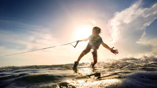 skiing-on-water