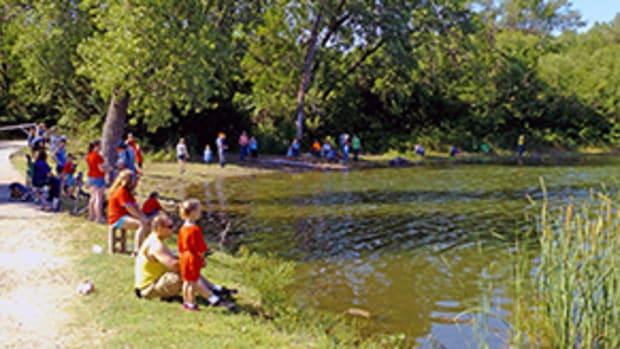 Veterans-Memorial-Lake