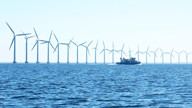 offshore_wind_park_ships