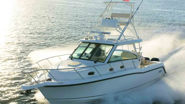 Boston-Whaler-345-Conquest