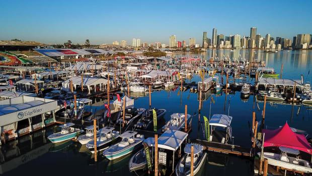 1.-2018-Miami-Boat-Show-01801_1800