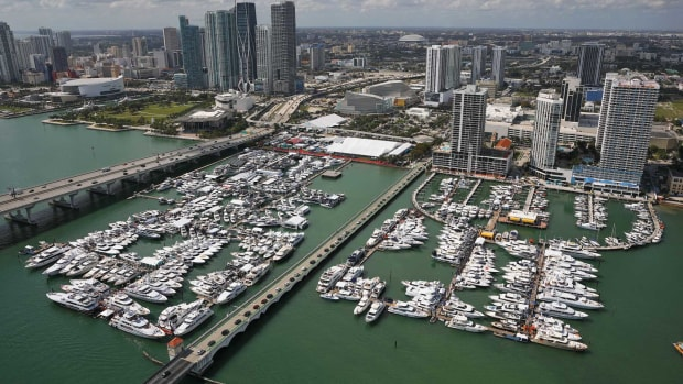 1.-2019MiamiYachtShow_resized_1800