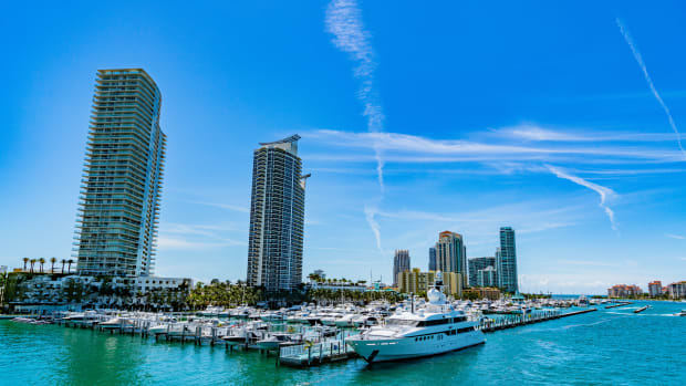 1 MarineMax LEAD PHOTO 1- Miami Beach Marina
