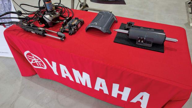 5_Yamaha-comparison-hydraulic-left-DES-right(1)