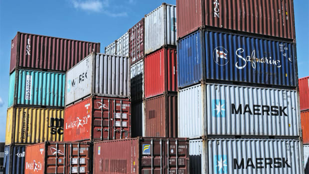 #1_Tariff_Shipping containers