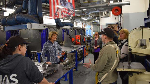 Murkowski tours Welding Lab