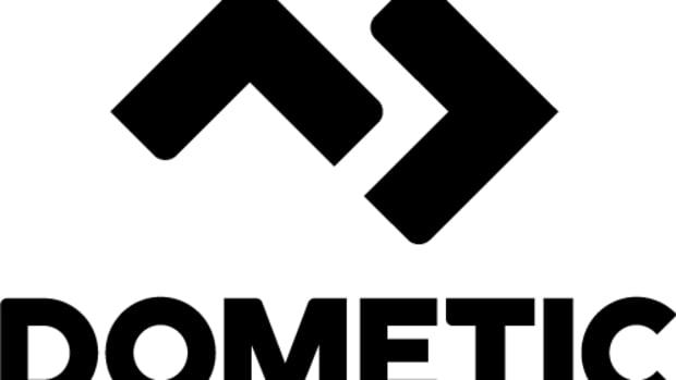 Dometic_vert_sRGB