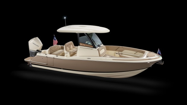 1_Winnebago_chris_craft_boats_catalina_24_hero_elevated_side_drop_shadow_noantenna