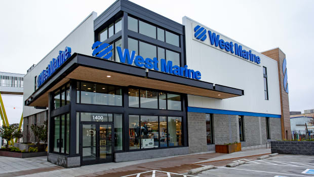 1_WestMarineSeattlestore