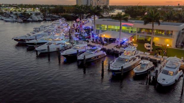 1_MarineMax Yacht Center