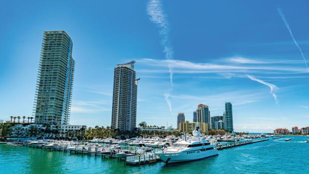 1 MarineMax_Miami Beach Marina