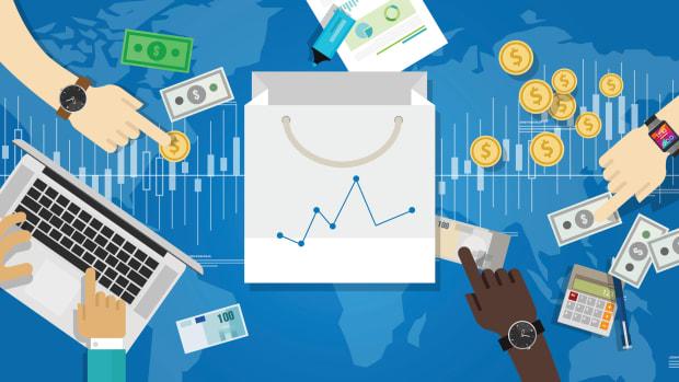 1_EconomyReport_AdobeStock_93084216