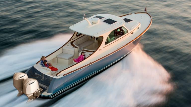 Hinckley Announces an Outboard-Powered 35