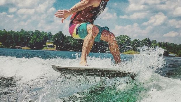 Jake Owen shares his passion for the water through Discover Boating.