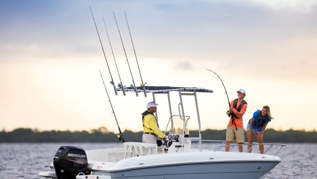 The Bayliner F21 is the largest model in the Element center console line.
