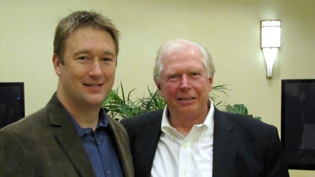 MRAA president Matt McGruhn (left) and Nautic CEO Jim Malone.