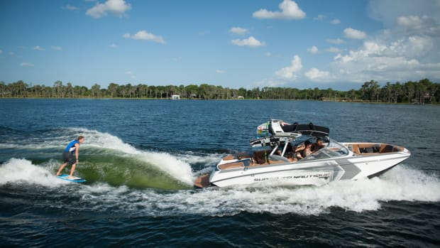 The Super Air Nautique G23 won two awards at the Hutchwilco New Zealand Boat Show.