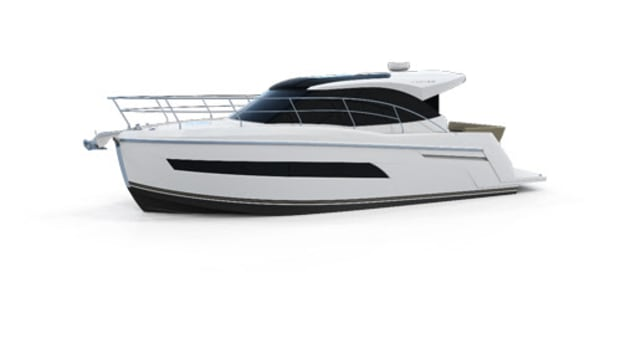 Carver Yachts 34-footer
