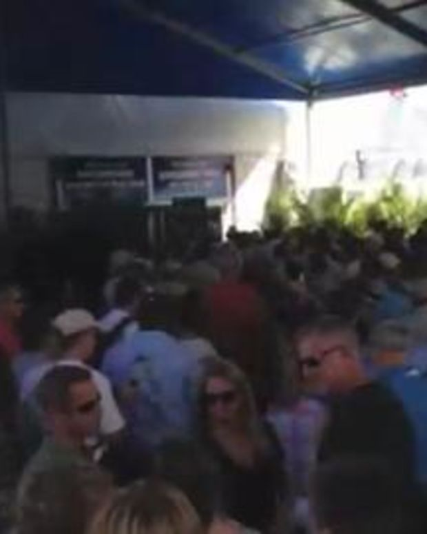 TRADE ONLY: Fort Lauderdale International Boat Show -- Long Lines and Big Crowds..