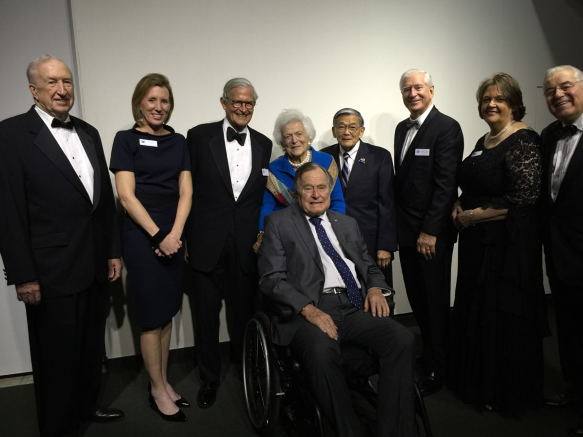 Former President George H.W. Bush and first lady Barbara Bush join members of the board of the National Coast Guard Museum Association Inc. in announcing $4 million in private support for the museum. Shown are J.D. Power III (left); Susan Curtin; Jimmy Coleman Jr.; former Transportation Secretary Norman Mineta; Richard J. Grahn; Connecticut state Sen. Catherine Cook; and John S. Johnson.