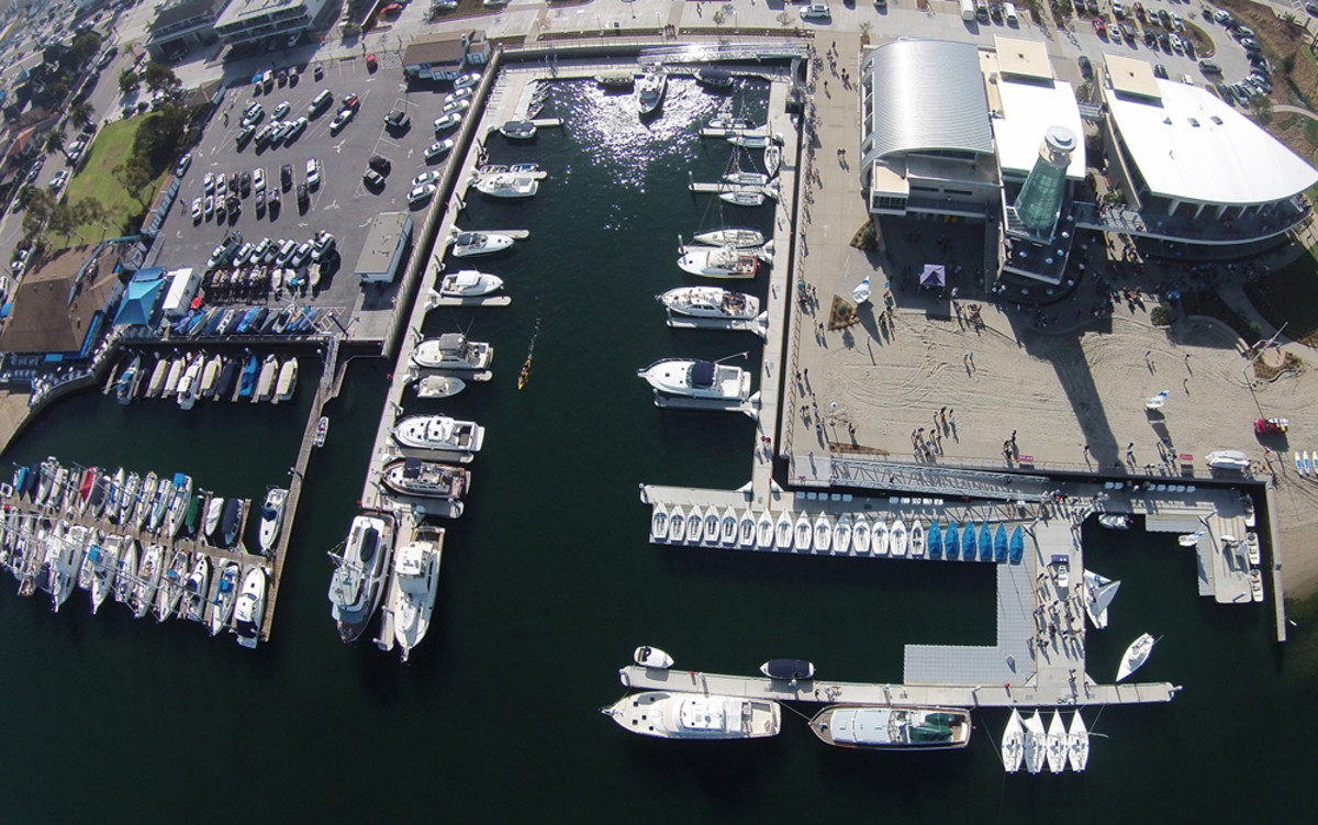 A new waterfront community center in Newport Beach, Calif., includes a multipurpose marina that Bellingham Marine built.