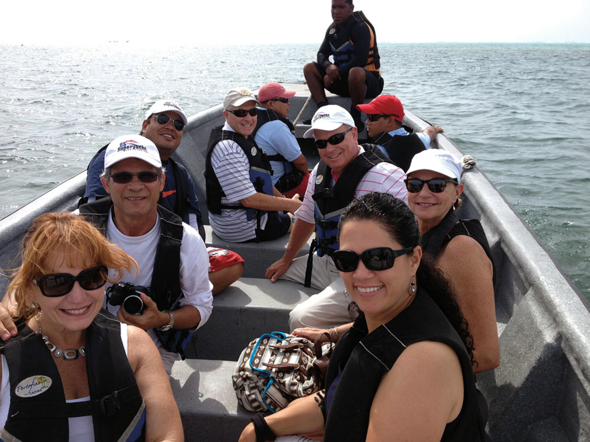 The NMMA contingent heads out to tour the islands around San Andres.