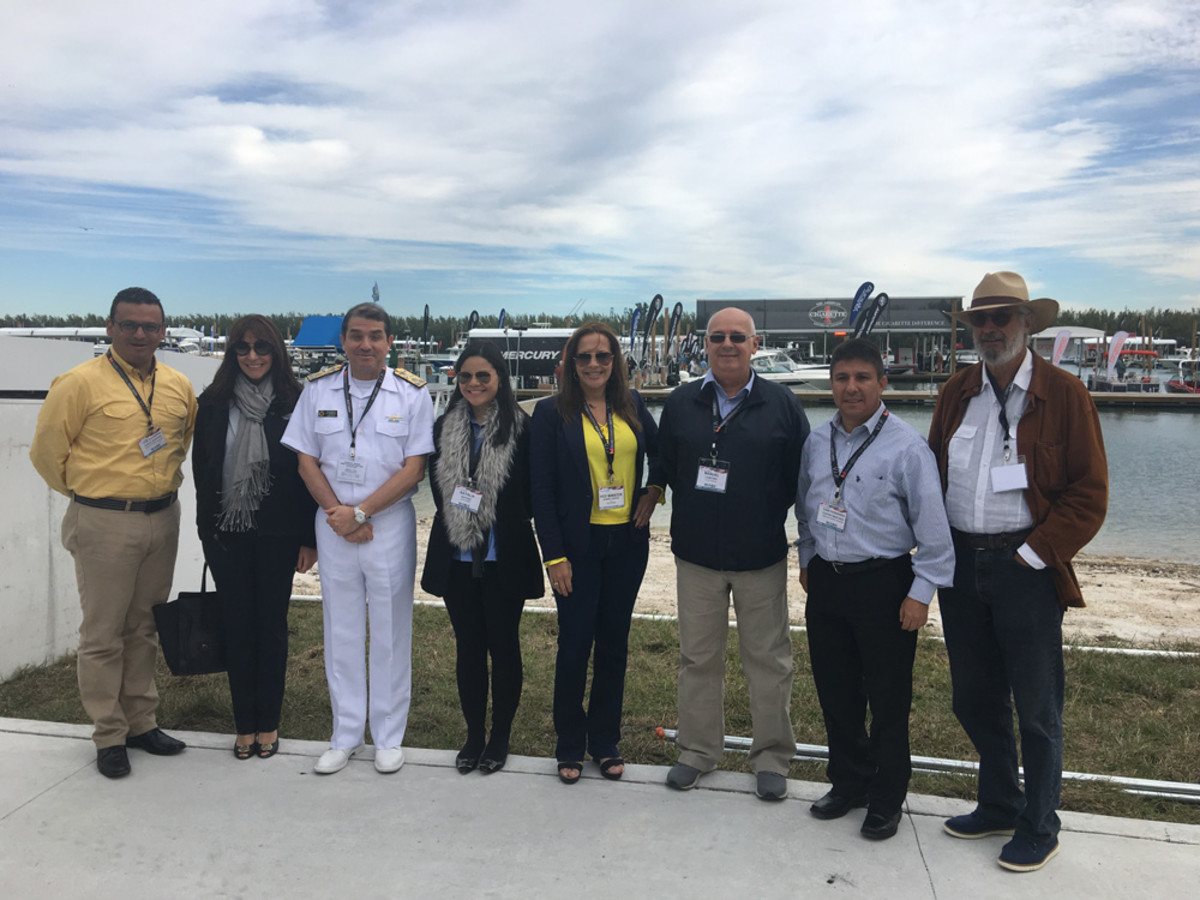 A delegation from Colombia attended the 2016 Miami International Boat Show.