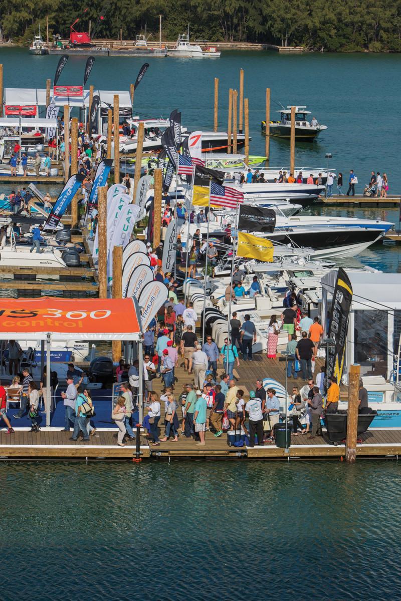 Miami_Boat_Show_2016_1