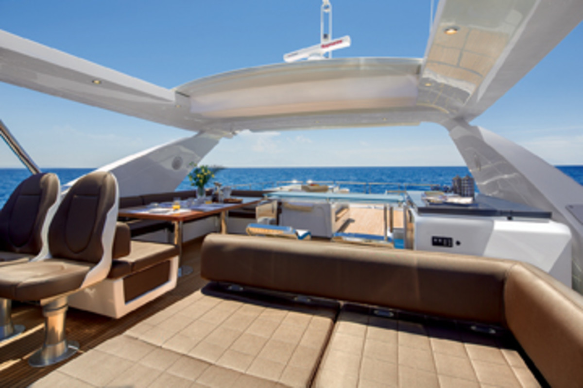 Azimut adapts its technology and design to the needs of customers worldwide.