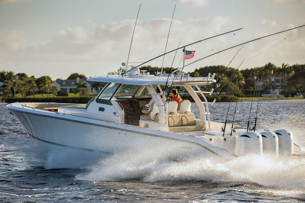The S 408 Sport is the largest Pursuit ever built. It melds day-boating accouterments with fishing features.