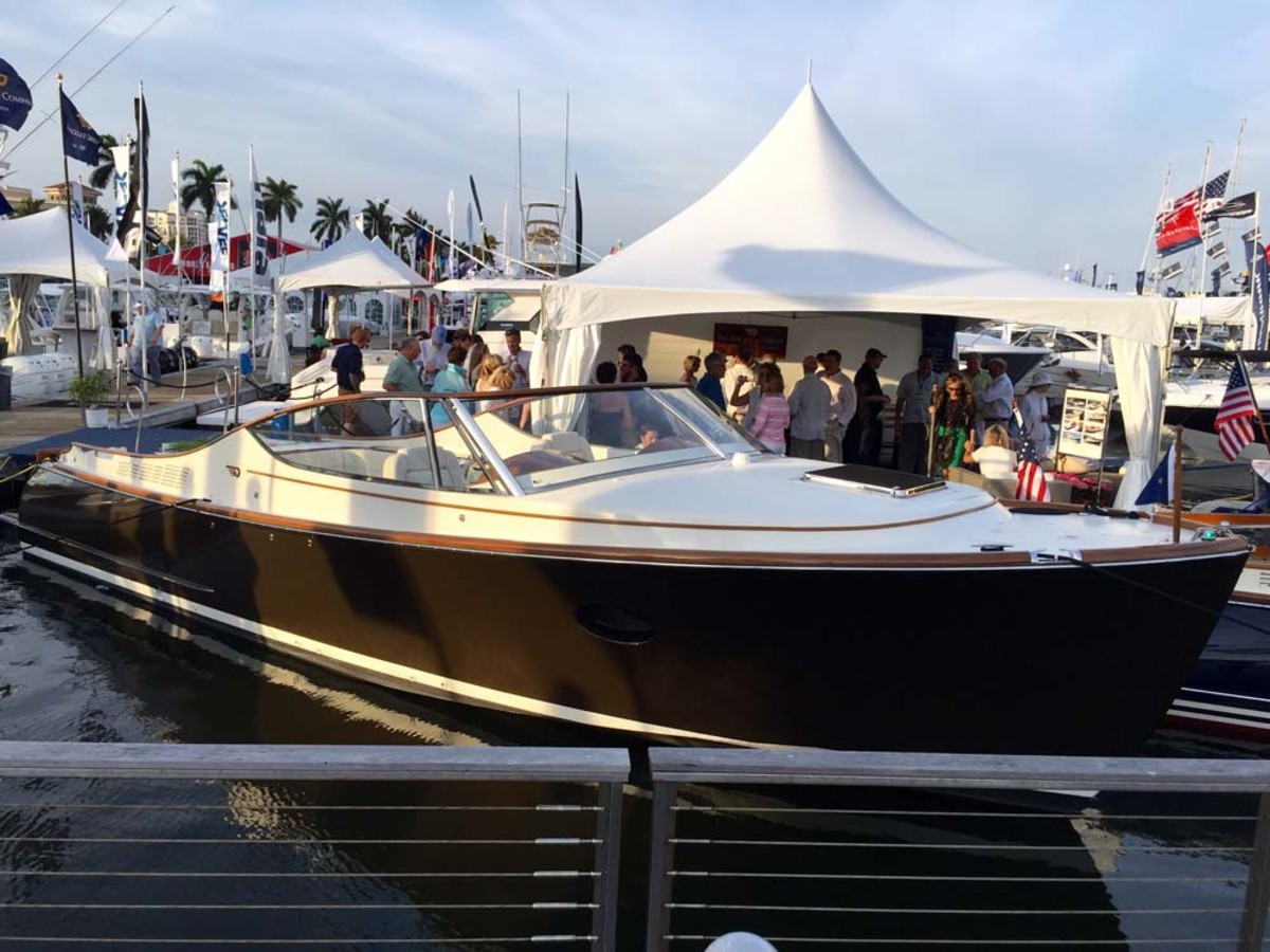 The Hinckley Co. introduced its Talaria 34 Runabout at the Palm Beach show.