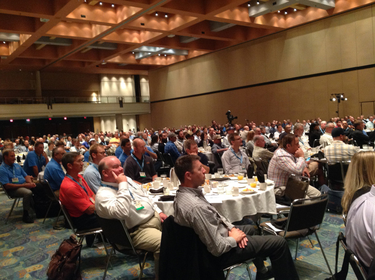 The breakfast event attracted about 500 people.