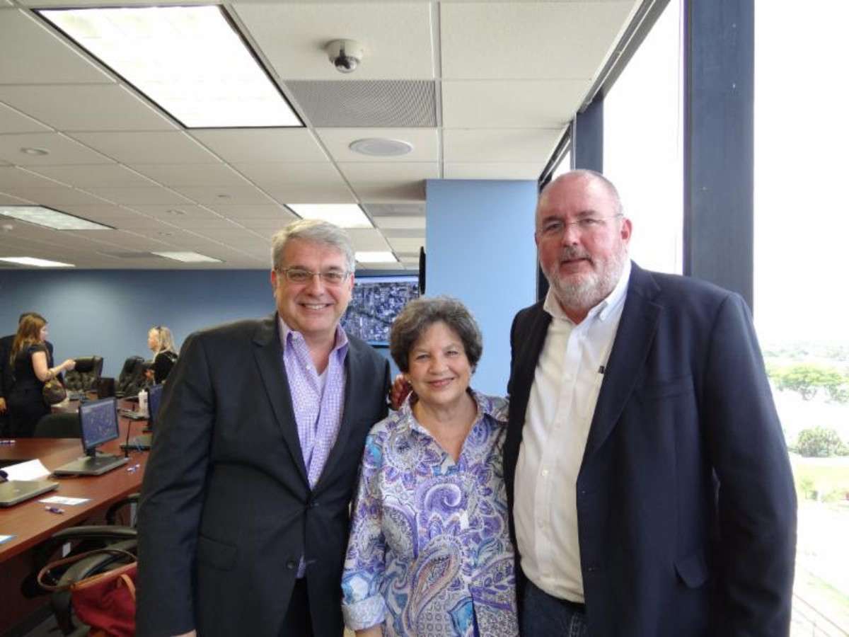 Greg Stuart (left), director of the Broward Metropolitan Planning Organization, U.S. Rep. Lois Frankel, D-Fla., and Marine Industries Association of South Florida executive director Phil Purcell are shown at the meeting.