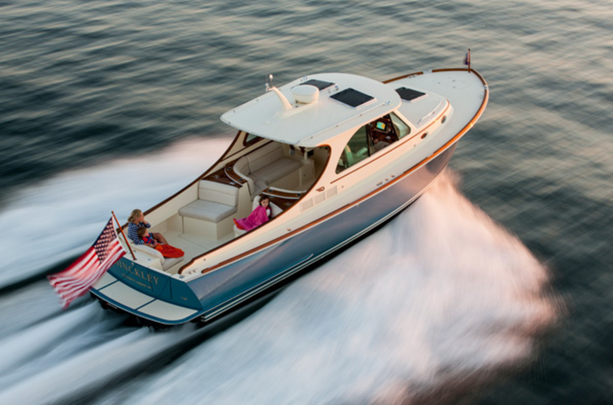 The Hinckley Talaria 43 will have its world premiere at the show.