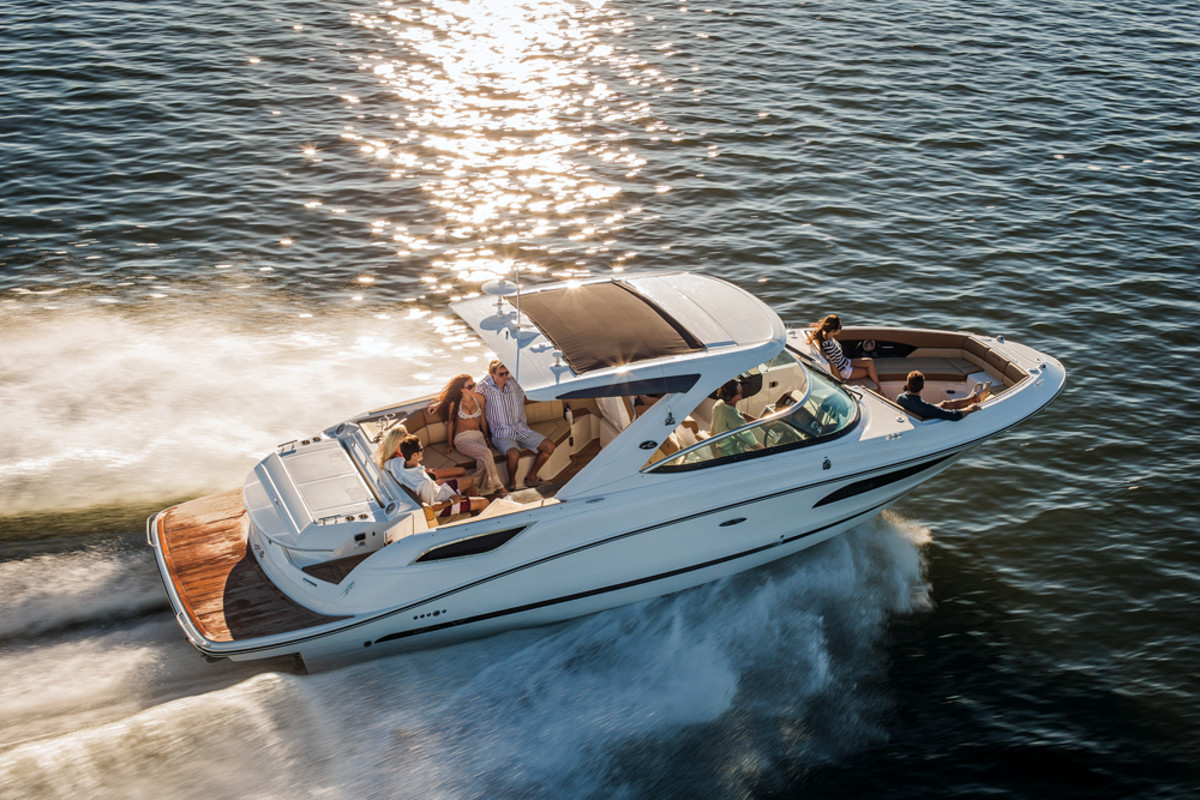 """Sea Ray """"reinvented"""" its concept of a yacht with the new L-Class."""
