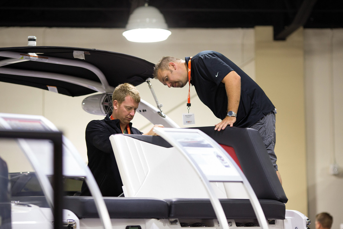 An up-close look at boat construction was one of the features of the annual Rec Boat Holdings dealer meeting.