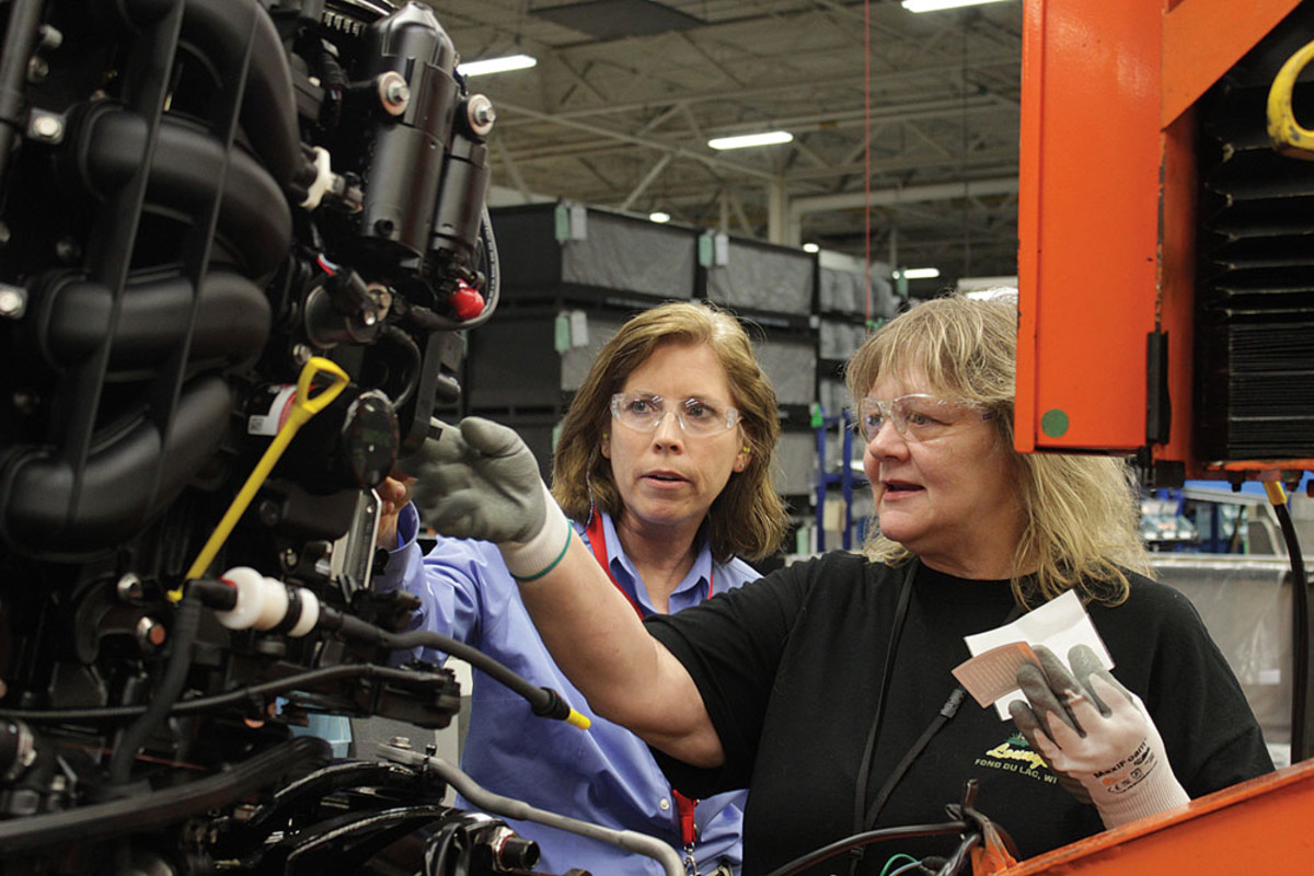 Mercury Marine quality director Patti Trapp (left).
