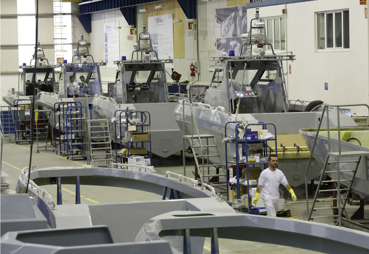 Spanish boatbuilder Rodman Polyships signed a contract to build 40 patrol boats and 10 passenger catamarans.