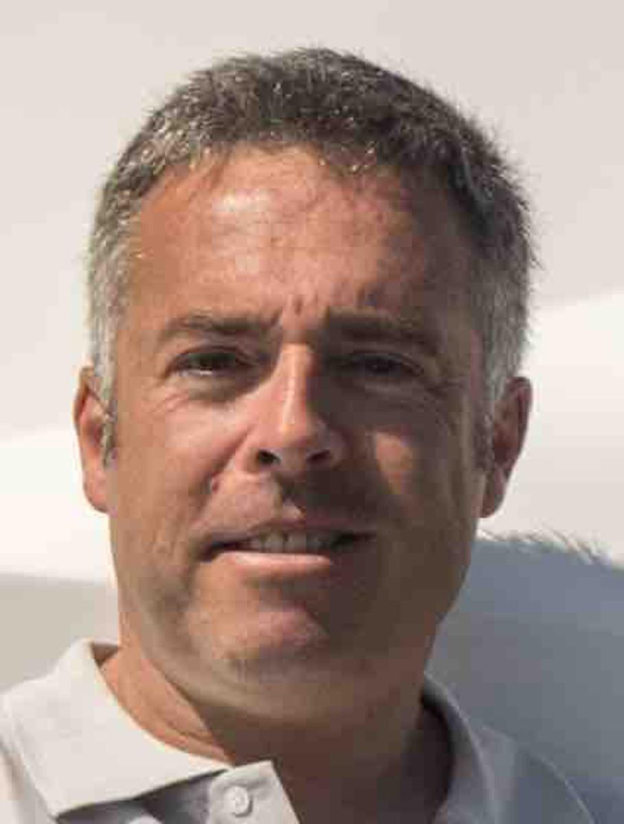 Antonio Caviglia aboard Numarine 70 Flybridge underway off Tuzla Yacht Club (Tuzla Yat Kulubu)
