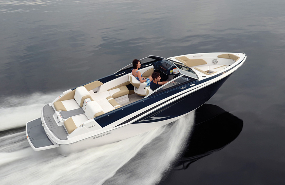 """The GT207 is one of two jetboat models that added a """"whole new level of fun"""" to Rec Boat's Glastron lineup in 2014."""