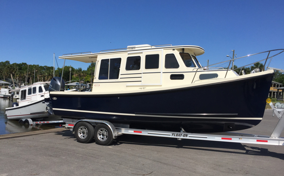 Gulf Coast boaters like the Rosborough RF-246 pocket cruiser's shallow draft and air-conditioned deckhouse. They're popular among former sailors who no longer have the time for sailing.