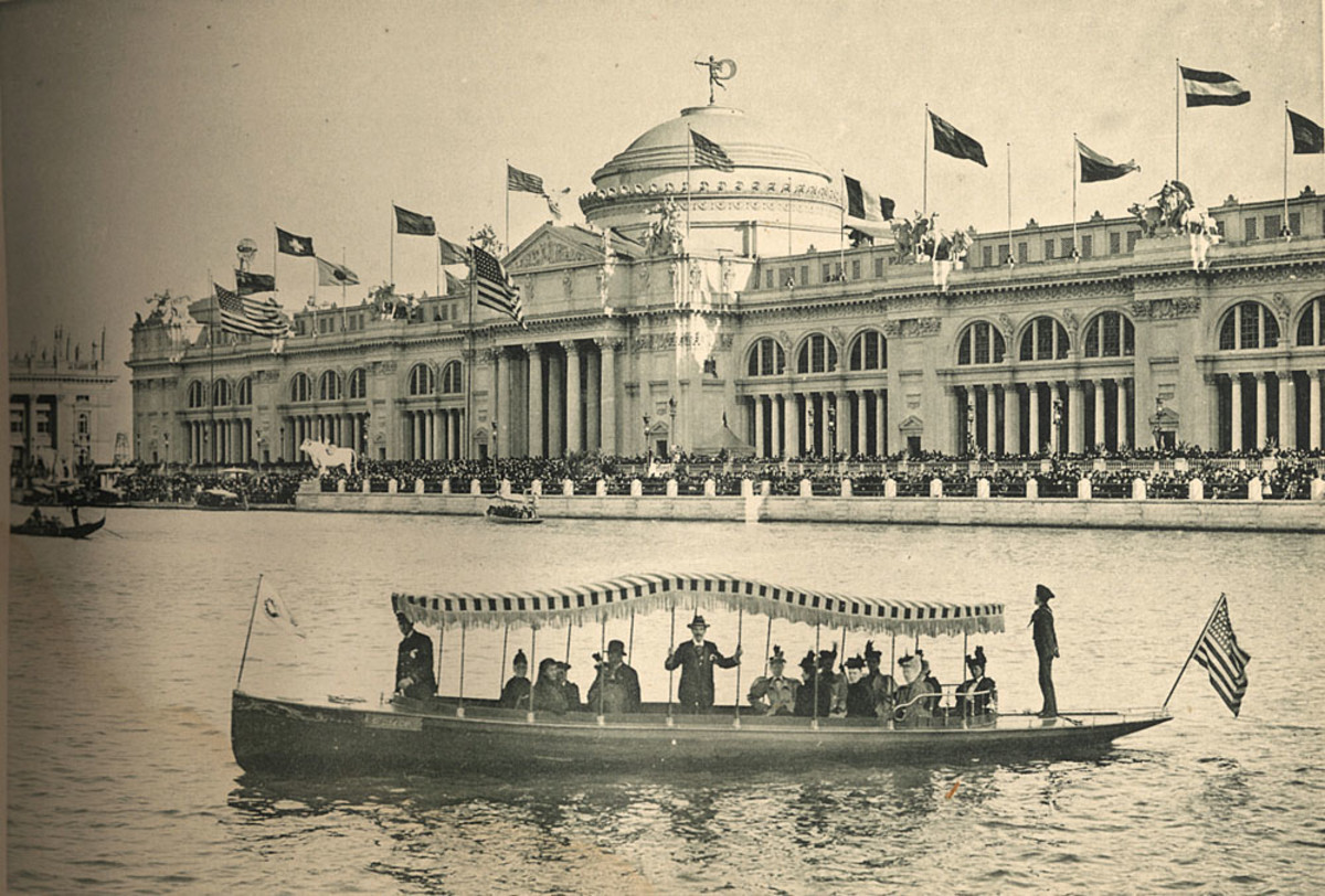 One of the 36-foot launches at the 1893 Chicago World's Fair, where the Elco brand was established.