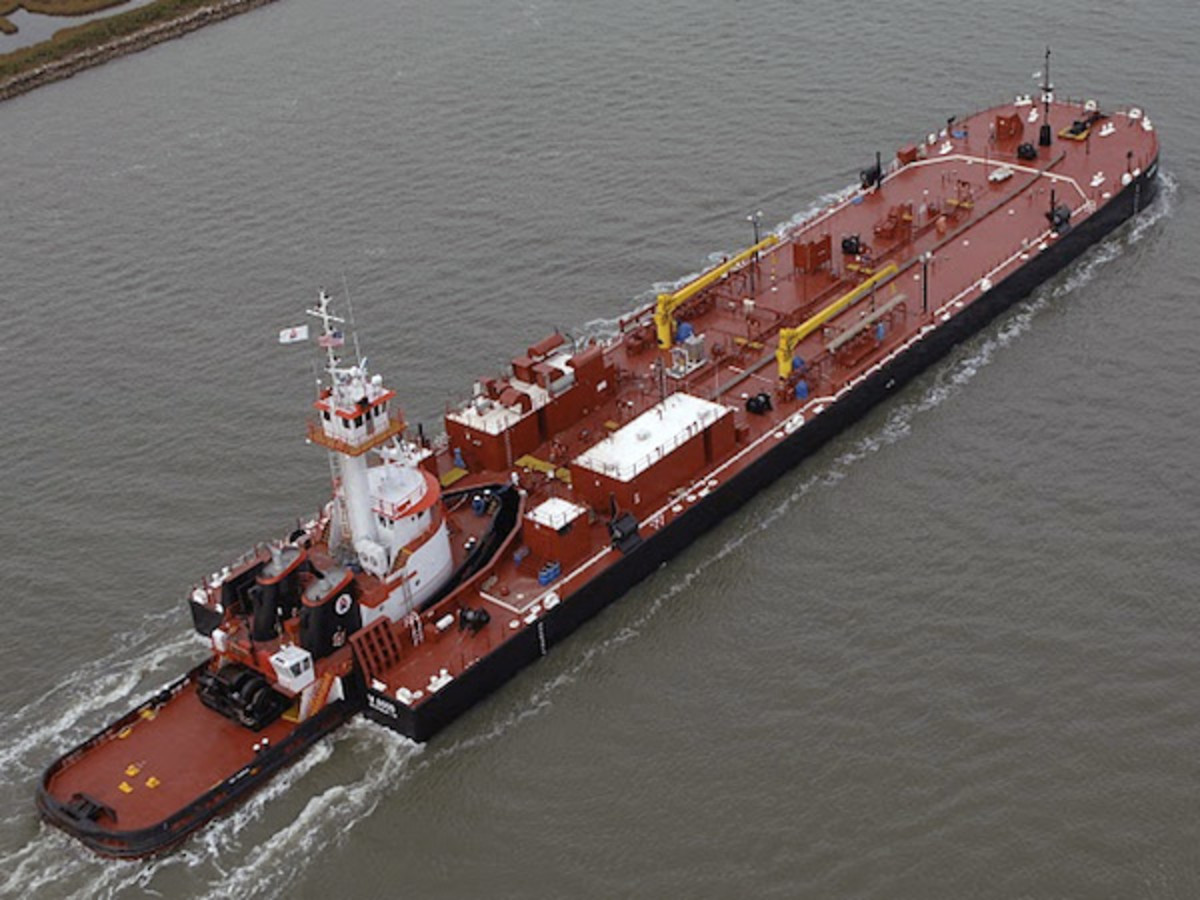 The Hudson River could see a significant increase in anchored articulated barges under a proposal from the Maritime Association of the Port of New York/New Jersey.